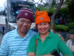 dr. Retayasa bersama istri tercinta